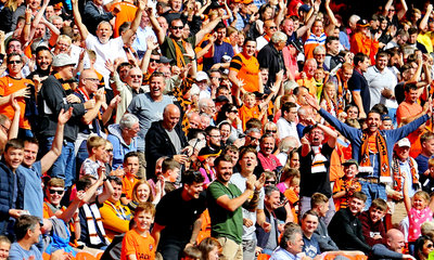 Tannadice Crowd