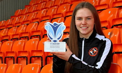 Neve Guthrie pictured with her award
