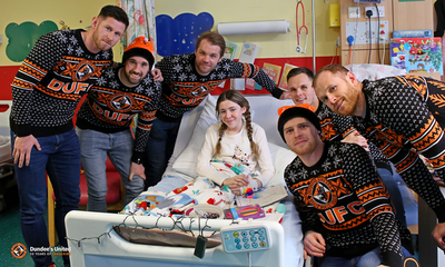 UNITED BRING CHRISTMAS CHEER TO HOSPITAL KIDS