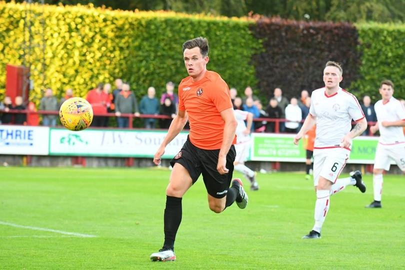 Lawrence Shankland runs