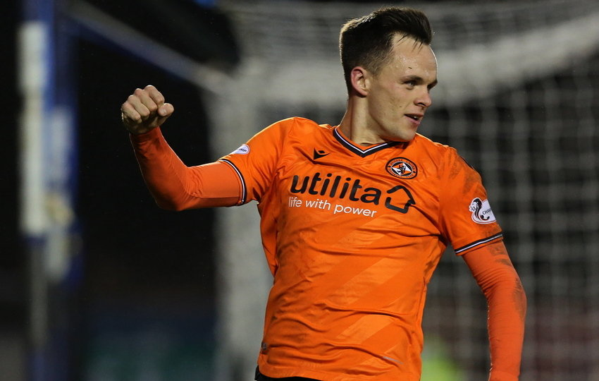 Lawrence Shankland converts the penalty